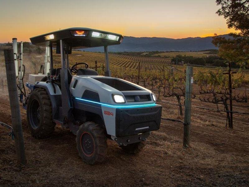 Электрический трактор Monarch Tractor